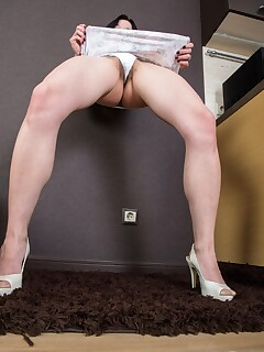 Hairy Pussy In Panties Pics